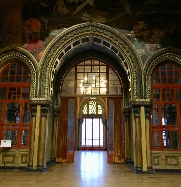 Il  film  'L'ultimo imperatore', di bernardo Bertolucci girato  nel Salone Moresco del Palazzo dei Congressi a Salsomaggiore