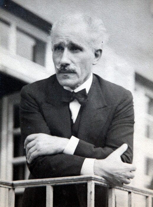 """Perchè Arturo Toscanini è chiamato  """"maestro di libertà""""?"""