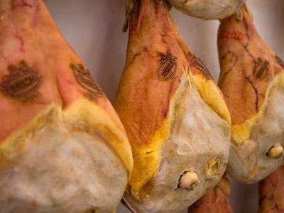 Prosciutto di Parma: solo carne italiana per un prodotto 100% naturale