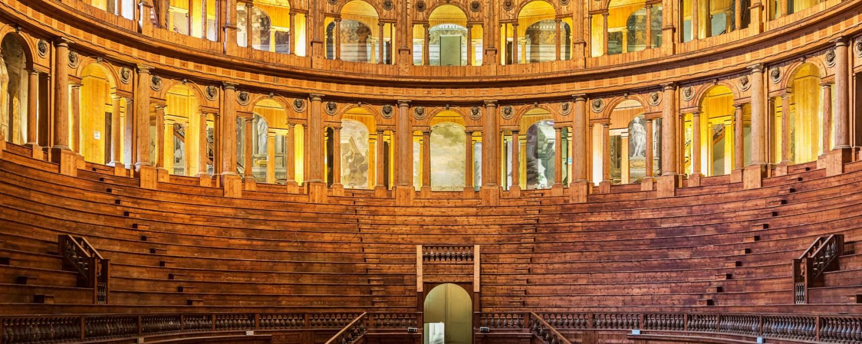 Parma - Teatro Farnese, un bellissimo teatro ligneo