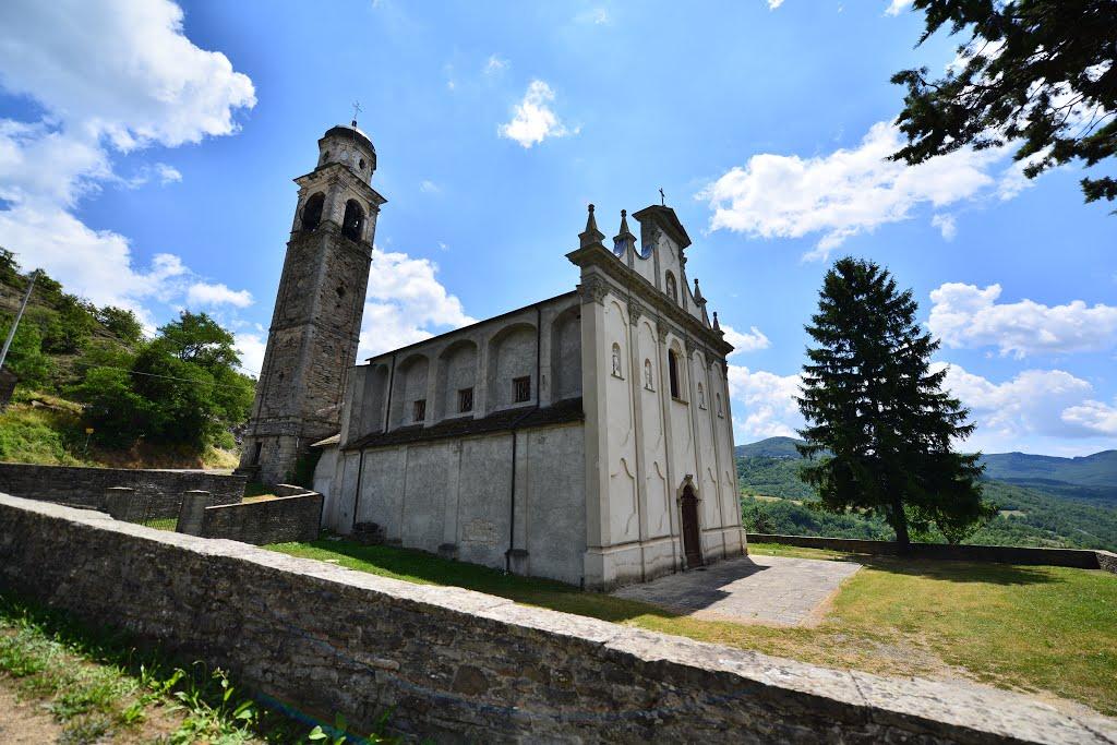 Bardi, frazione Gravago - Chiesa di San Michele Arcangelo
