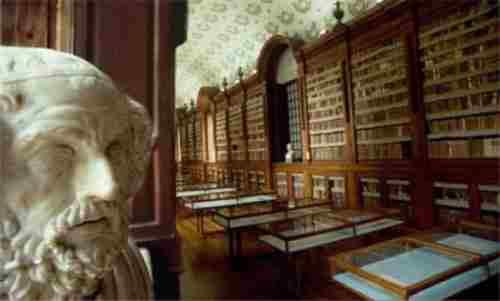 Parma - Biblioteca Palatina,  era la biblioteca privata dei duchi Borbone-Parma