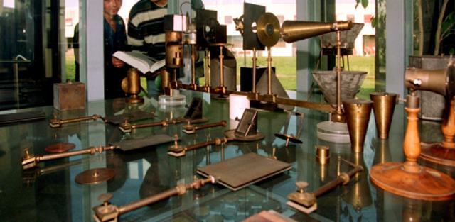 """Parma - Collezione di Strumenti Scientifici """"M. Melloni"""" - Musei Universitari"""