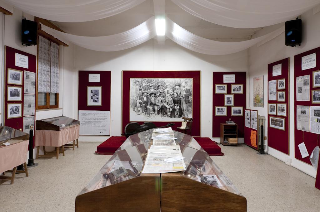 Sissa - Museo Concerto Cantoni a Coltaro , dedicato alla storia della musica popolare da ballo per concerti a fiato