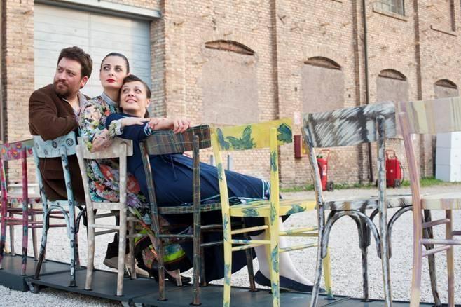«La vita ferma», il debutto del premio Ubu Lucia Calamaro al Teatro al Parco