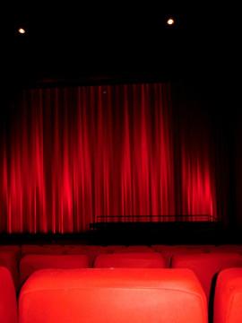 Al Teatro S.Evasio la Compagnia  I Guitti di Roberto Veneri in scena con Du j en méi che vòn
