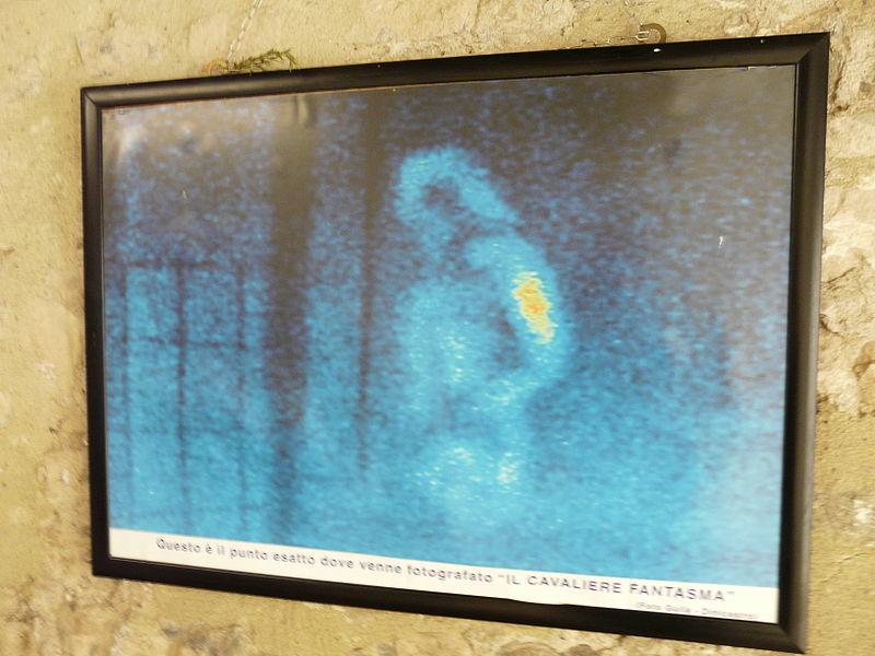 Visita guidata notturna con ghosthunters al castello di Bardi