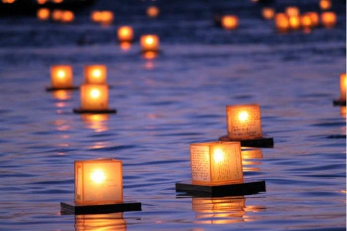 TORO NAGASHI 2018  Cerimonia delle lanterne sull'acqua
