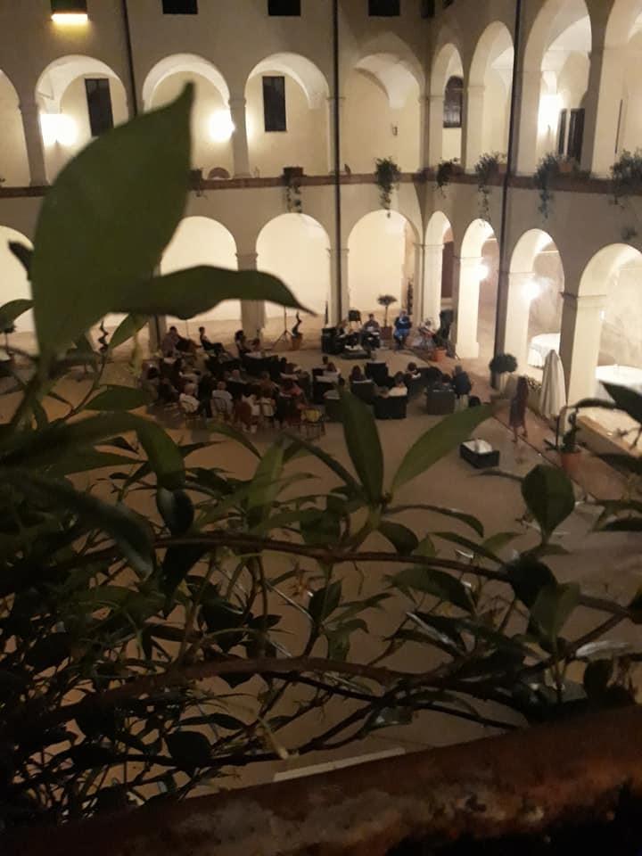 """ManìnBlù in versione acustica, ospite di """"Fonte by Night"""""""