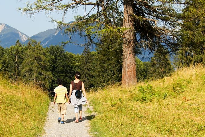 Trekavventura nel Parco del Taro: escursione per famiglie