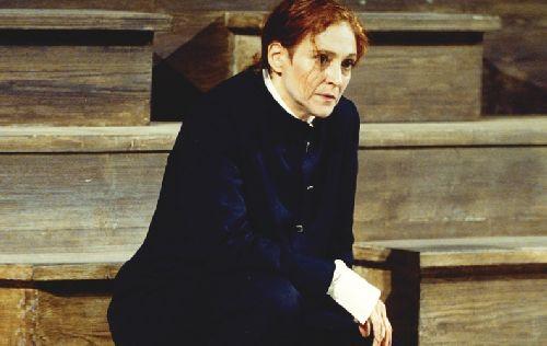 Elisabetta Pozzi in NOTE PER AMLETO al Teatro Farnese