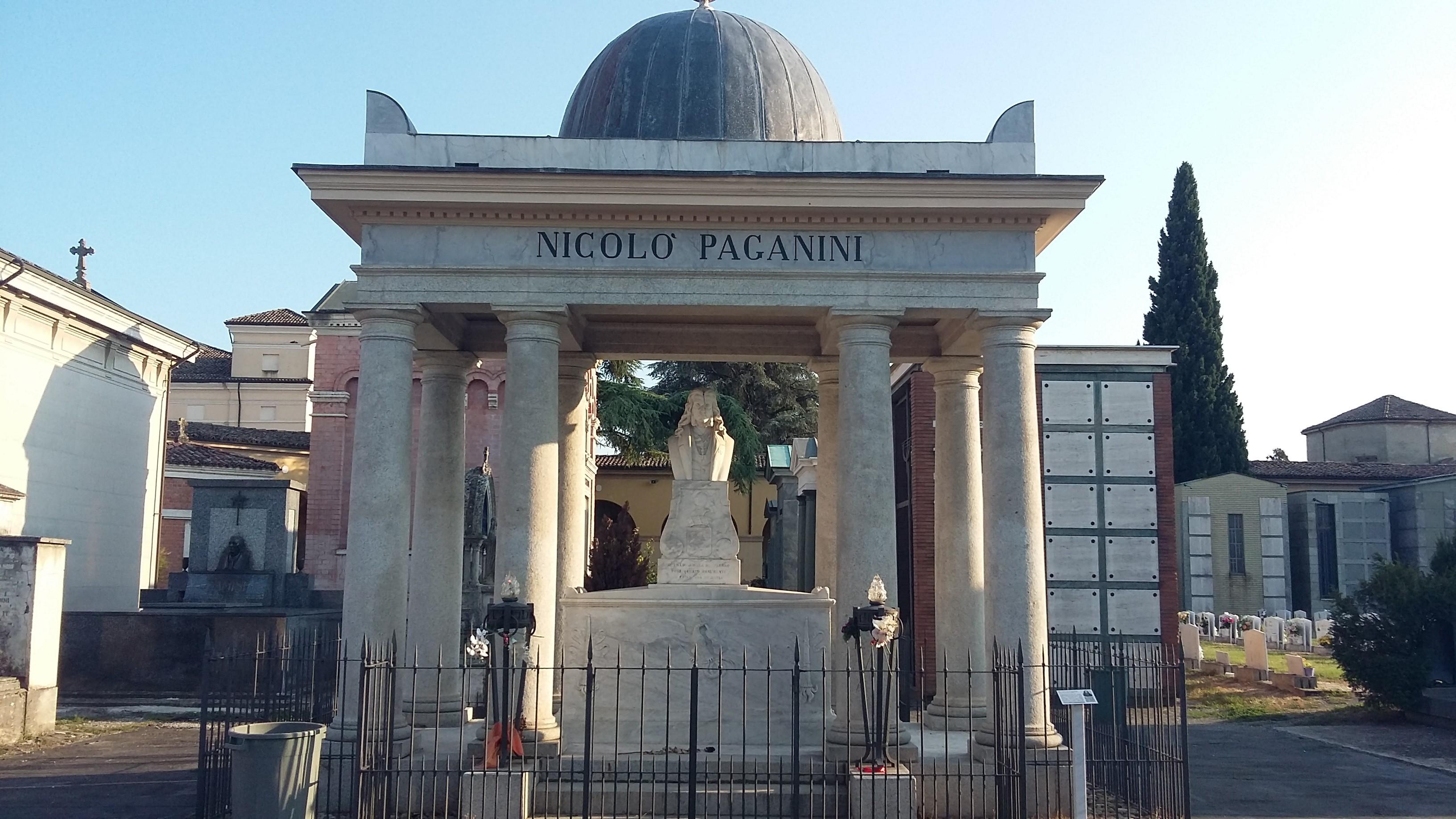 Festa di Ognissanti: apertura dei cimiteri e messe nell'oratorio della Villetta