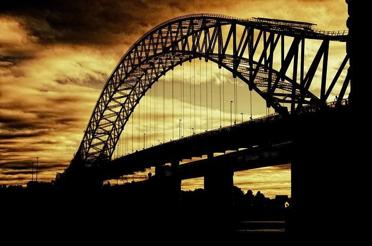 Ponti, sottopassi, strade, argini, casse di espansione vs cambiamenti climatici - Quanto sono sicure le nostre infrastrutture?