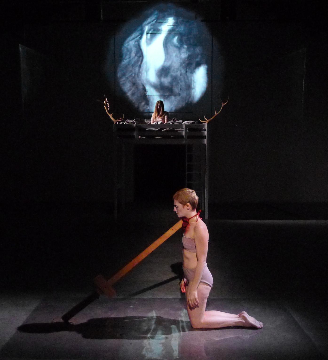 La violenza dell'uomo sulla donna: debutta in teatro Iphigenia in Aulide di Lenz Fondazione
