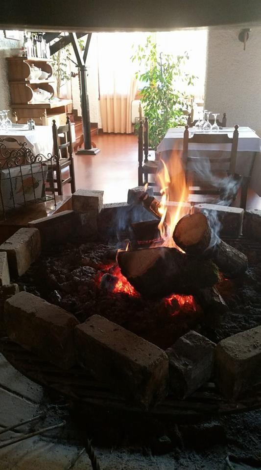Cenone di San silvestro con musica dal vivo al ristorante GATTO NERO