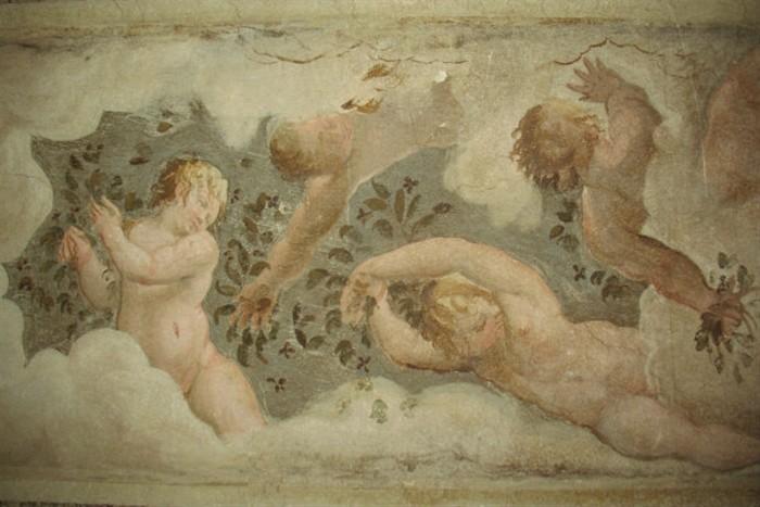 Gli affreschi rinvenuti nel sottotetto di Palazzo Ducale