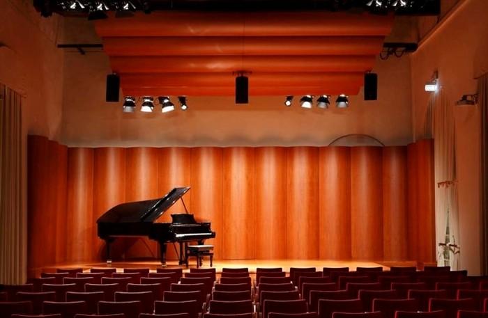 """Presentazione del libro """"Storie in breve""""  del musicologo Gustavo Marchesi."""