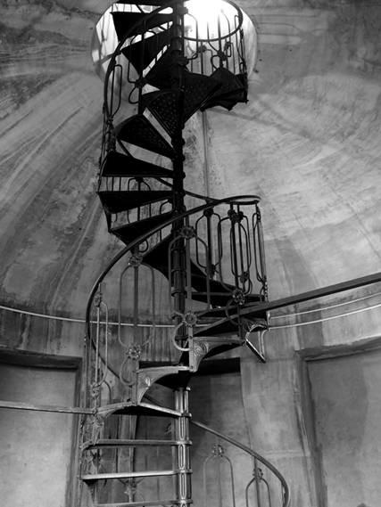 Visita guidata alla Torre dell'acquedotto di Via Solari e INSOLITA MOSTRA     fotografie di Antonio Mascolo