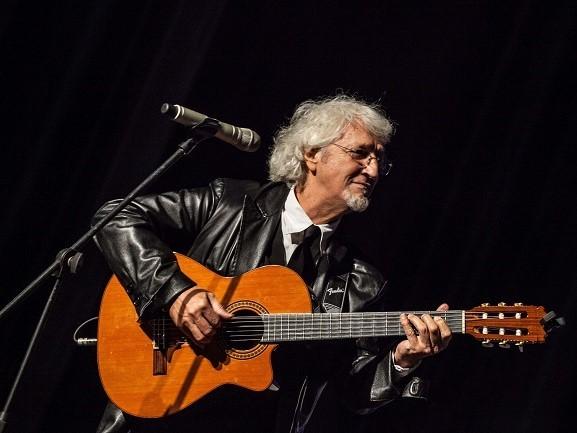 MUSICA IN CASTELLO: Il suonatore Jones – Un viaggio nella canzone d'autore da De Andrè ai New Trolls