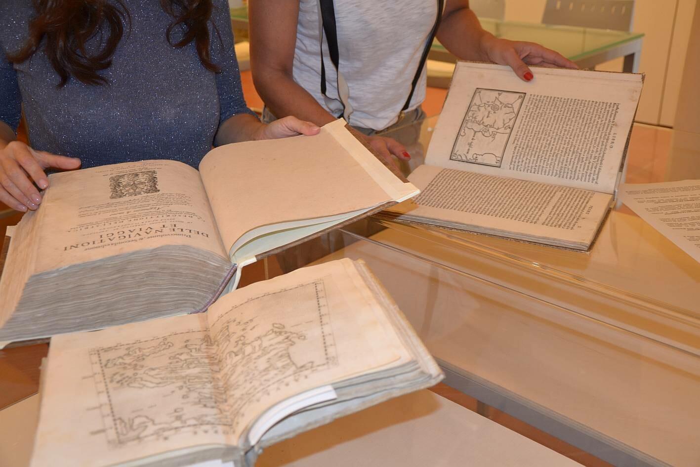 """Mostra bibliografica  """"La geografia del viandante"""" alla Biblioteca comunale G. Taron"""