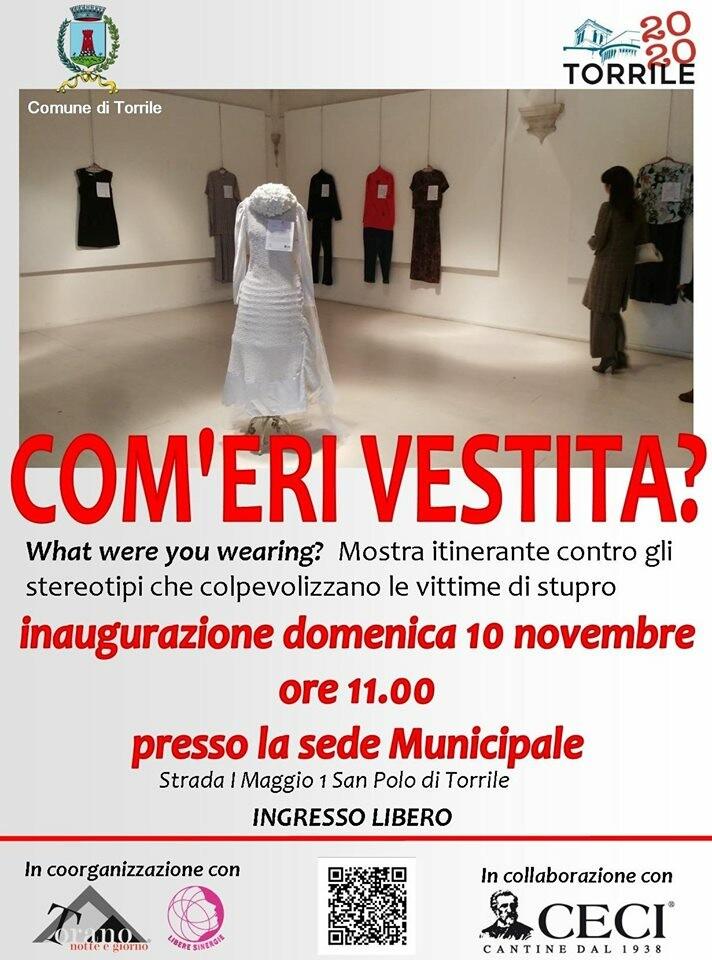 """Com'eri vestita?"""" una mostra itinerante contro gli stereotipi che colpevolizzano le vittime di stupro."""