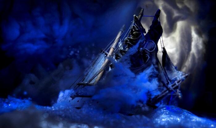 Il battello pareva sospeso come per incanto, mostra di Arturo Delle Donne