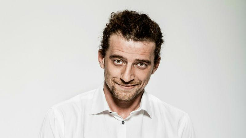 """""""Quello che parla strano"""" – Maurizio Lastrico  all' ARENA DEL SOLE ROCCABIANCA"""