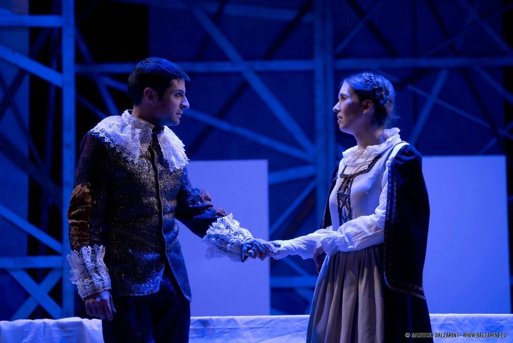 Spettacolo teatrale  I PROMESSI SPOSI in scena al Nuovo Teatro Pezzani