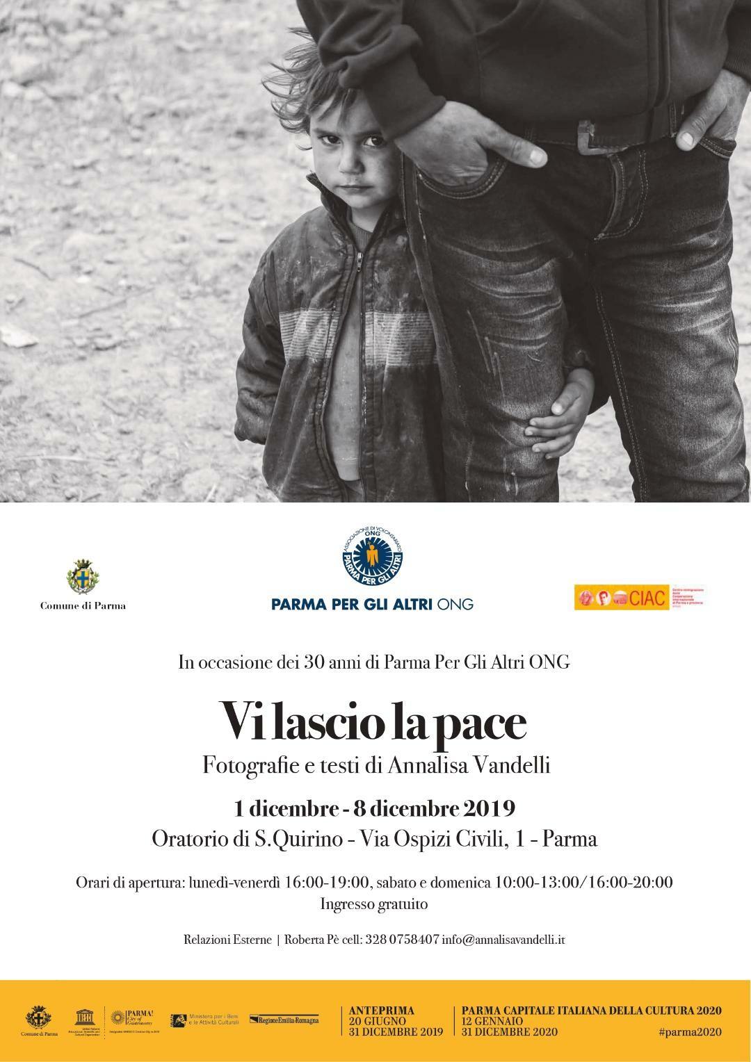 """Mostra fotografica """"Vi lascio la pace"""".  Le foto e i testi in esposizione sono opera dell'Artista di fama internazionale, Annalisa Vandelli."""