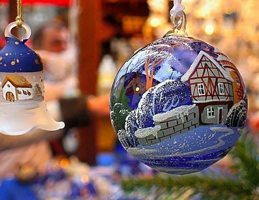 Natale sotto l'albero  in  Via D'Azeglio