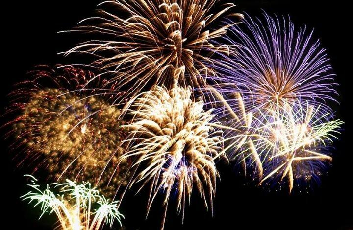 """Il tempo del Natale a Salsomaggiore Terme  """"Luci sulla città"""", fuochi d'artificio"""