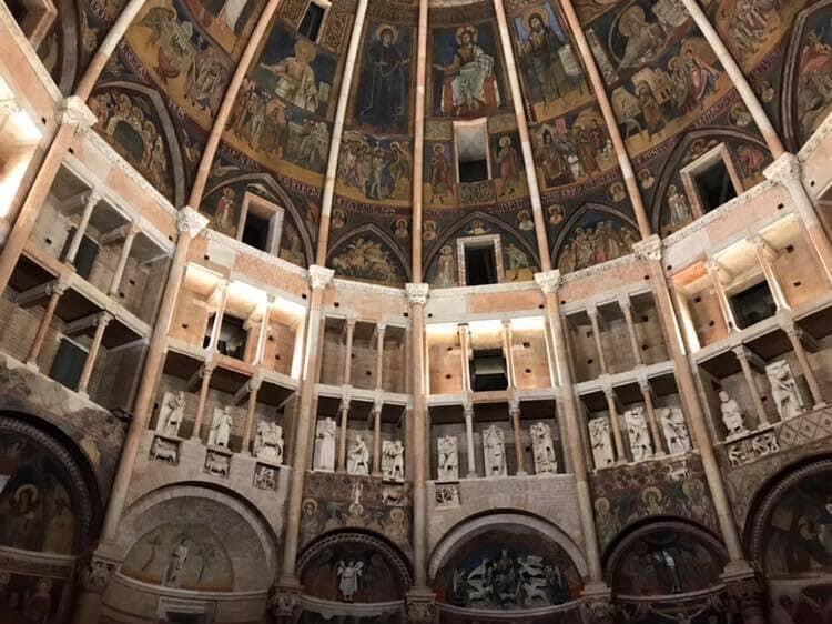 Diversi Medioevi. Le sculture del Battistero di Parma tra Oriente e Occidente