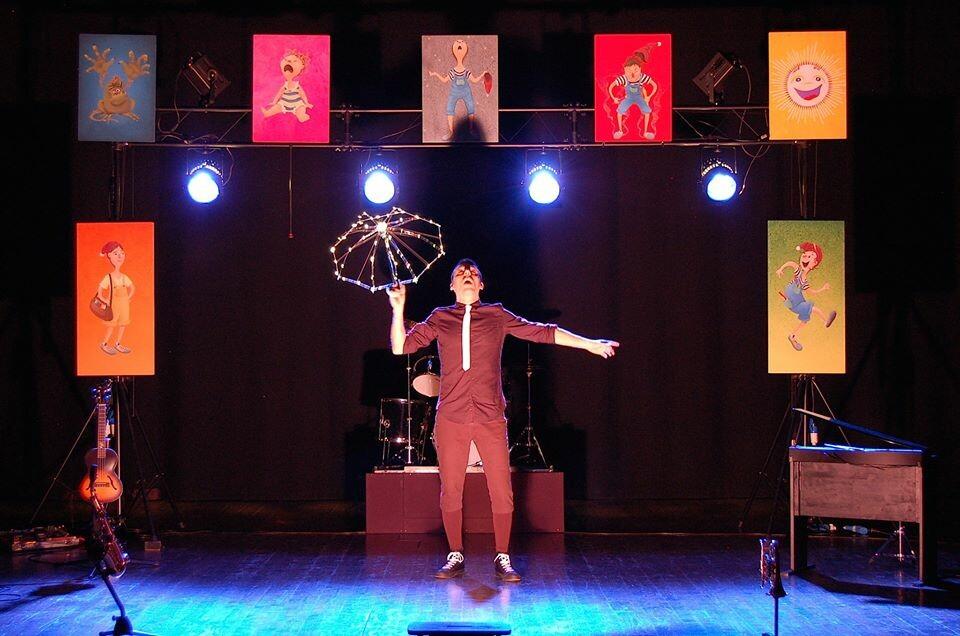 Vietato ai maggiori di 12 anni: Cattivini - cabaret concerto per bimbi monelli al Teatro Magnani Fidenza