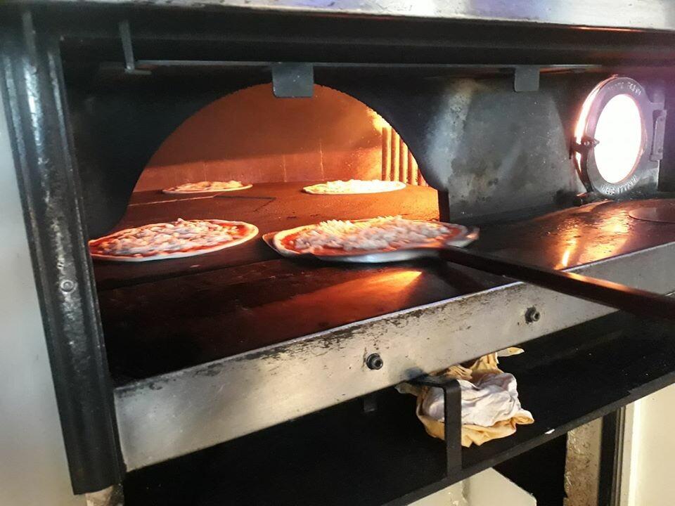 """Ristorante Pizzeria """"I Monelli""""  ·  I Monelli ha attivo, su prenotazione, un servizio di consegna a domicilio per aziende e per famiglie"""