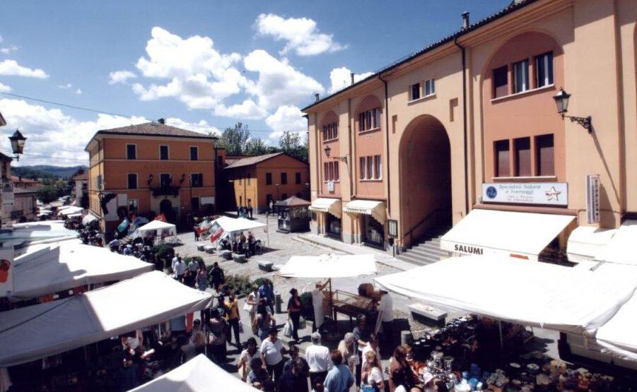 Traversetolo: da domenica 24 maggio ritornano i banchi del mercato domenicale