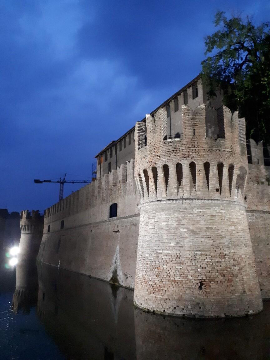 Visita la  Rocca Sanvitale di Fontanellato con il suo  bellissimo giardino pensile