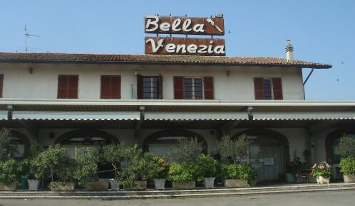 Pizza e piatti tipici d'asporto al ristorante Bella Venezia