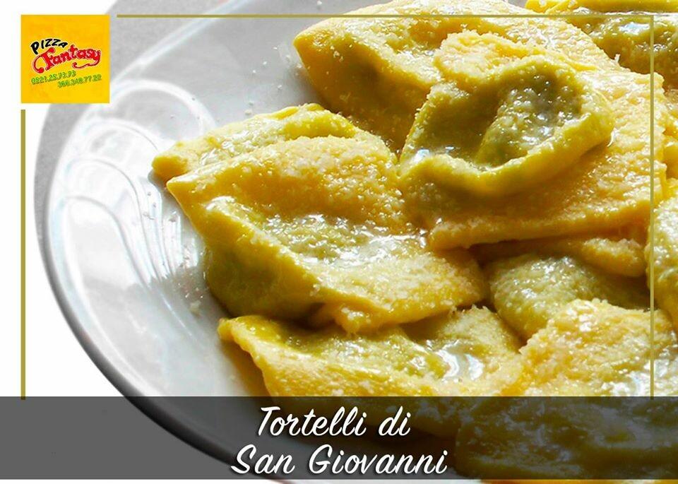 Nella magica notte di San Giovanni #PizzaFantasy vi propone i gustosissimi tortelli d'erbetta fatti a mano!