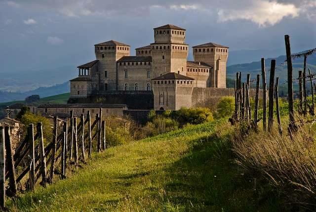 Castello di Torrechiara: APERTURE PROLUNGATE DOMENICHE E FESTIVI AGOSTO E SETTEMBRE