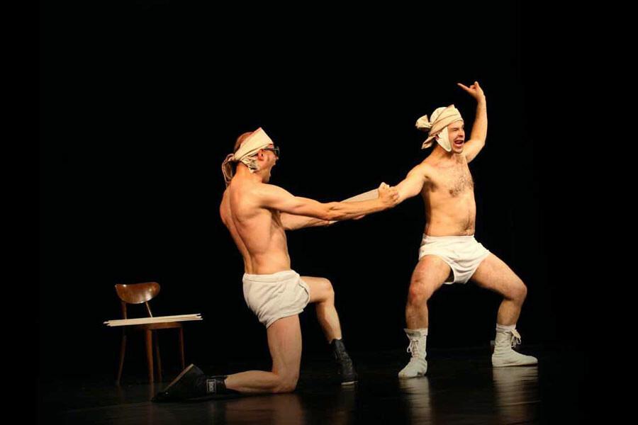TEATRO ARENA DEL SOLE ROCCABIANCA:  SLIPS INSIDE  spettacolo clownesco e acrobatico degli Okidok