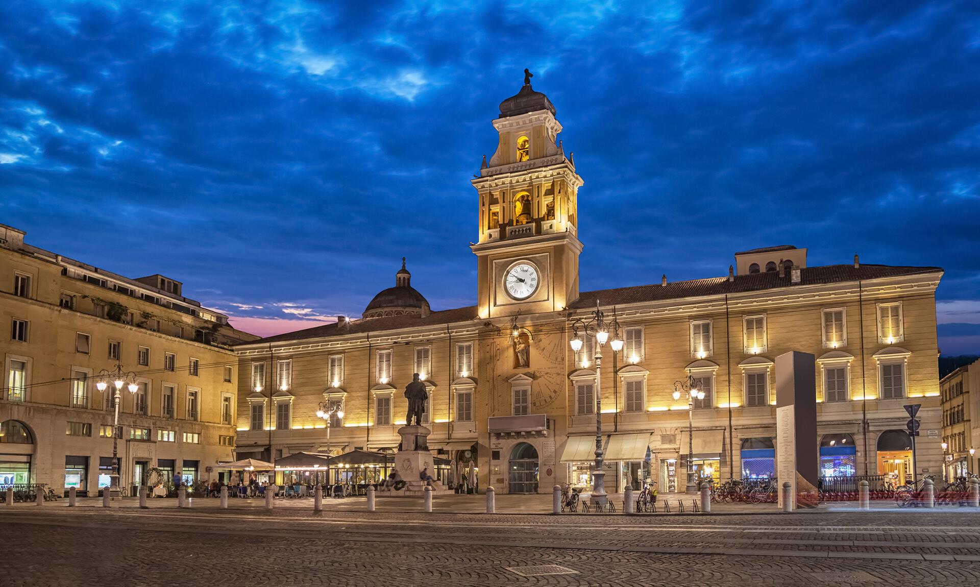 VERDI OFF: 24 ORE D'ARIA  Dalle 24 finestre di Palazzo del Governatore, ogni ora , musica con i Solisti del Conservatorio Arrigo Boito