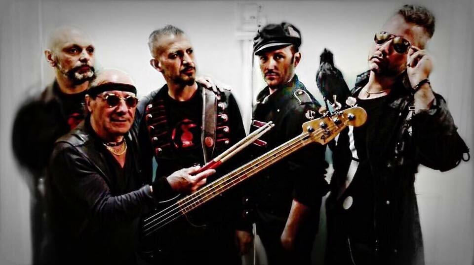 """""""Ragazzi di strada … i Corvi"""", il libro dello storico batterista della band, Claudio Benassi. A seguire, concerto del gruppo"""