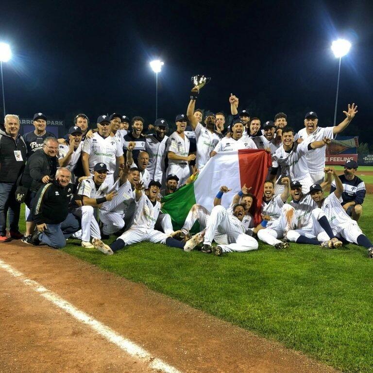 Tutti al Cavalli  per festeggiare la Coppa dei campioni e per la doppia partita col Bologna