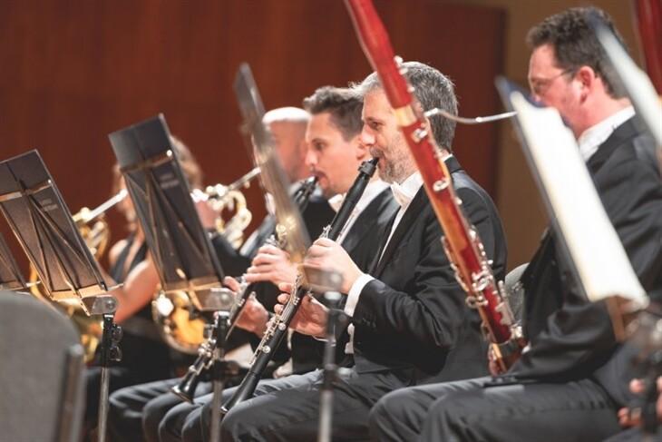 Ensemble di fiati La Toscanini propone una serata con musiche di Mozart, Rota e Gounod.